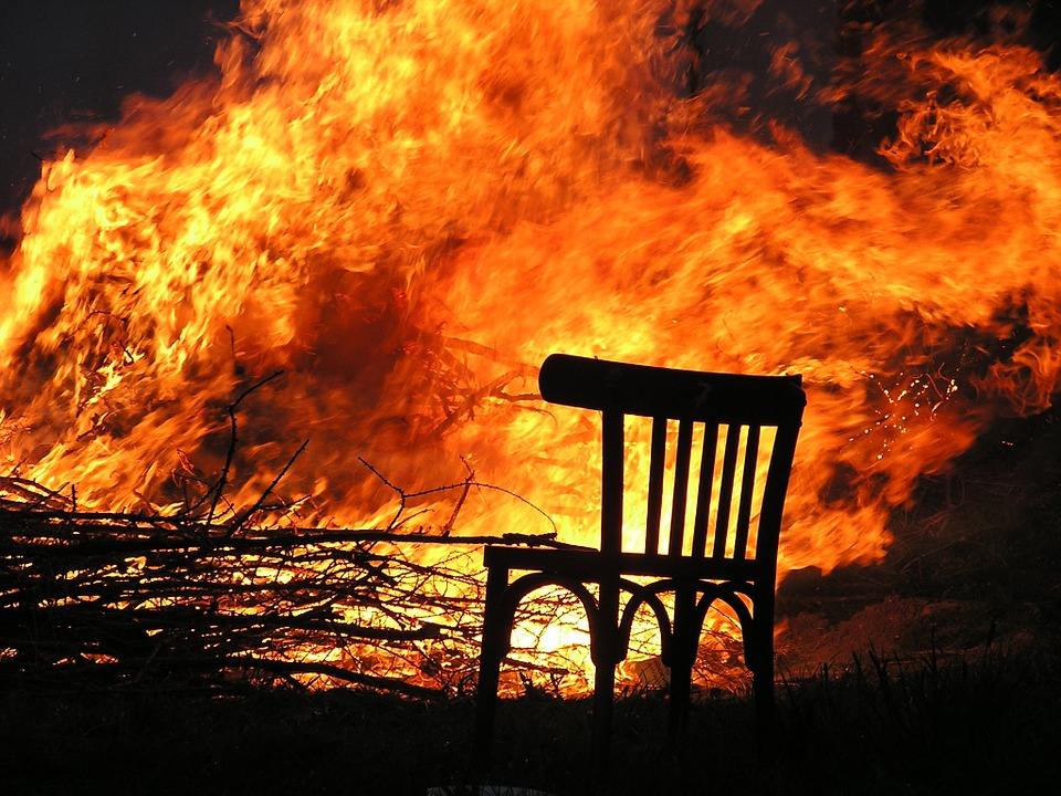 brandmeldinstalatie brand in woning vlammen